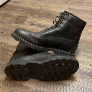 Black timberland boots size 10.5